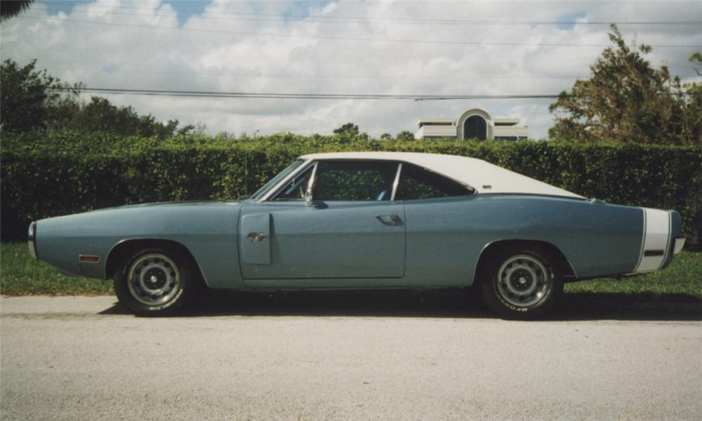 1970 DODGE CHARGER R/T COUPE - Side Profile - 39770