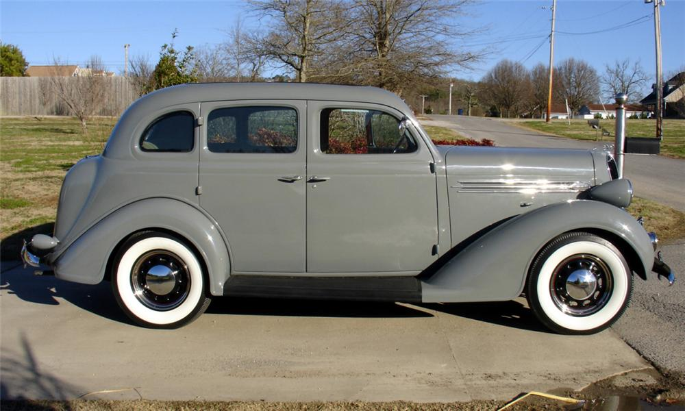 1936 PLYMOUTH 4 DOOR SEDAN - Side Profile - 39784