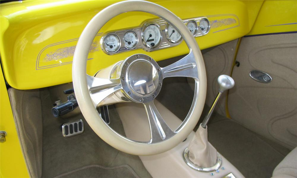 1939 FORD ROADSTER STREET ROD - Interior - 39799