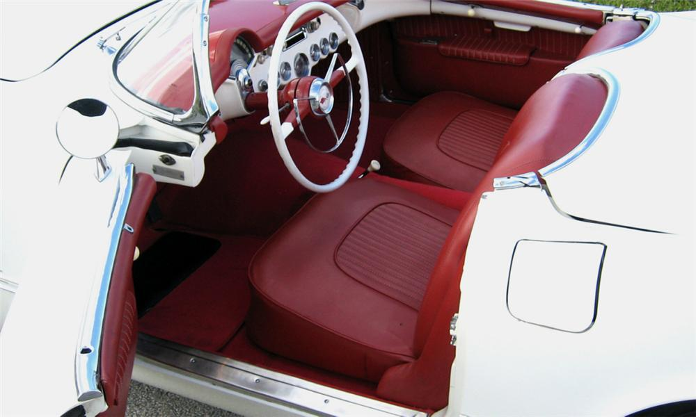 1954 CHEVROLET CORVETTE CONVERTIBLE - Interior - 39832