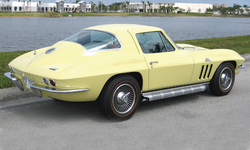 1966 CHEVROLET CORVETTE 427/450 COUPE - Front 3/4 - 39835