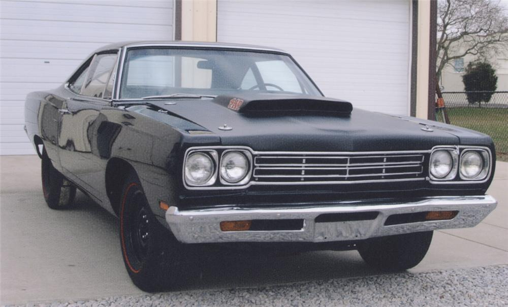 1969 PLYMOUTH ROAD RUNNER COUPE - Front 3/4 - 39838