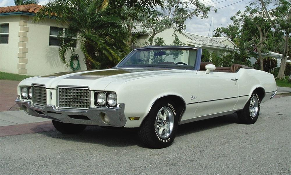 1972 OLDSMOBILE CUTLASS SUPREME CONVERTIBLE - Front 3/4 - 39854