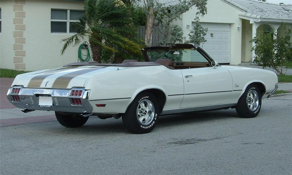 1972 OLDSMOBILE CUTLASS SUPREME CONVERTIBLE - Rear 3/4 - 39854