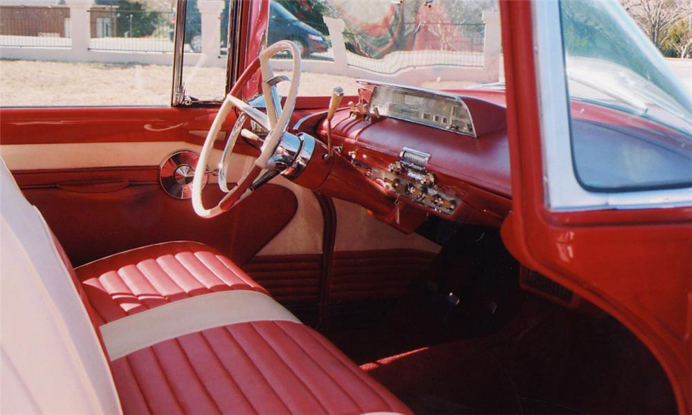 1956 LINCOLN PREMIER 2 DOOR HARDTOP - Interior - 39878