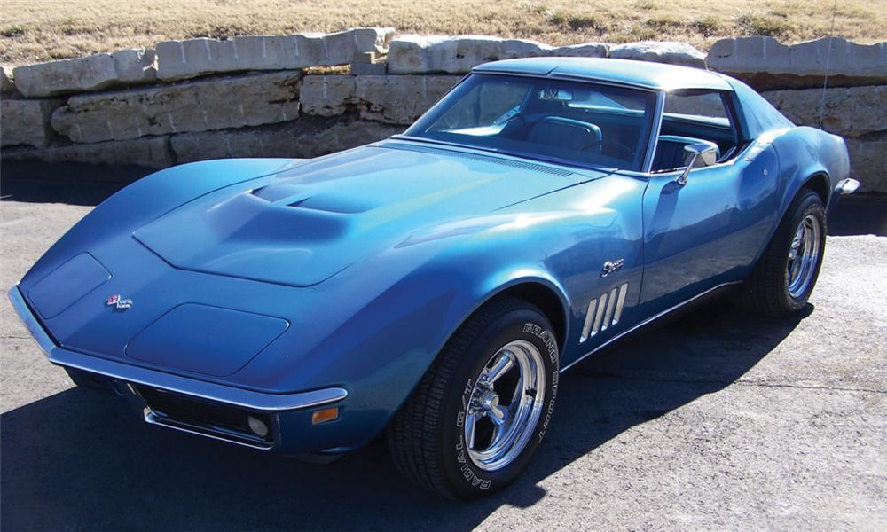 1969 CHEVROLET CORVETTE COUPE - Front 3/4 - 39879