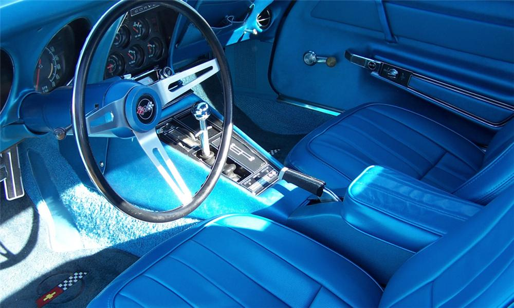 1969 CHEVROLET CORVETTE COUPE - Interior - 39879
