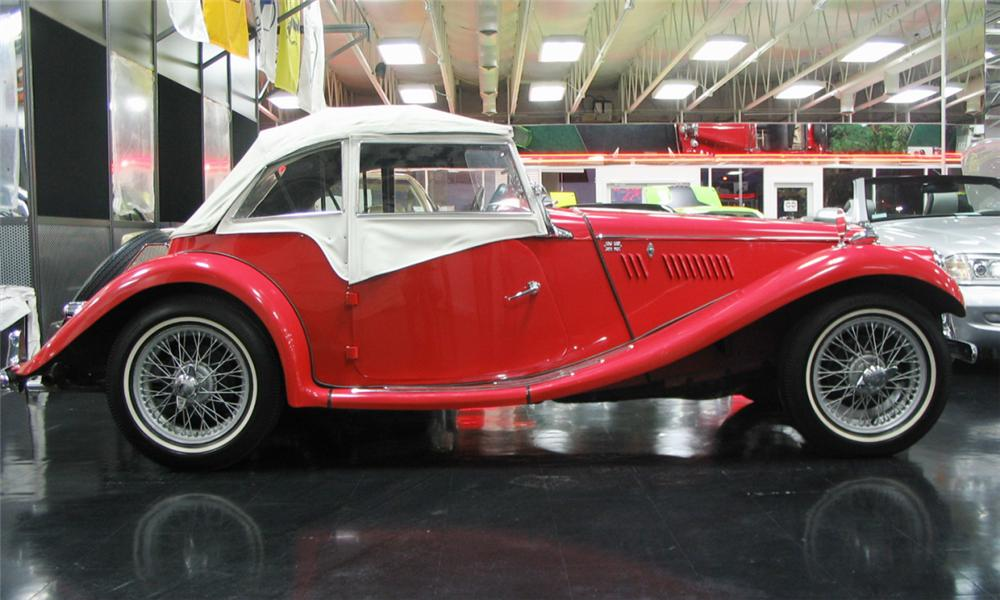 1954 MG TF ROADSTER - Side Profile - 39885