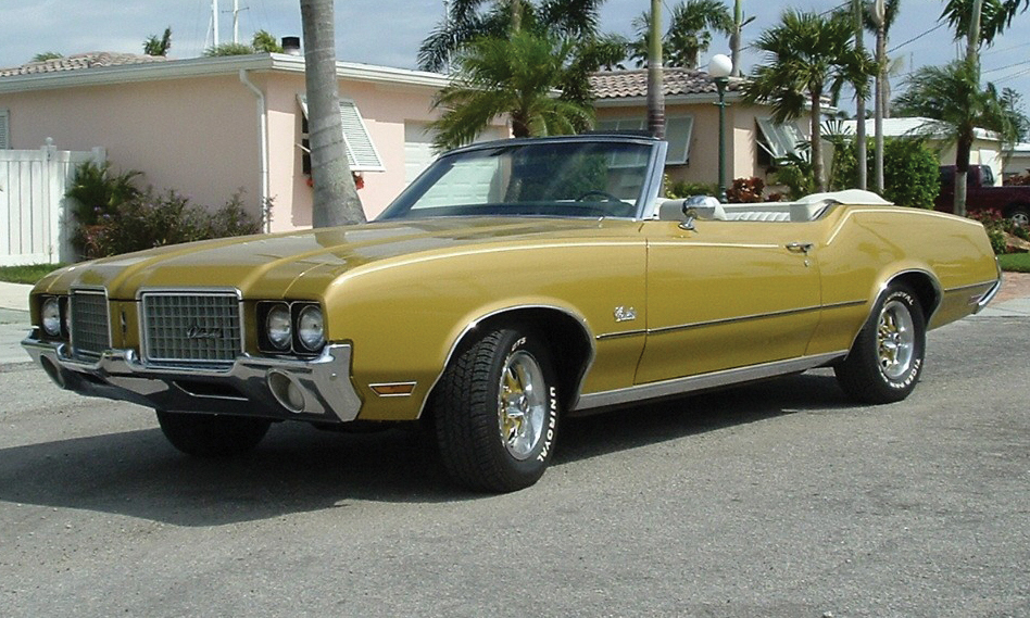 1972 OLDSMOBILE CUTLASS SUPREME CONVERTIBLE - Front 3/4 - 39886