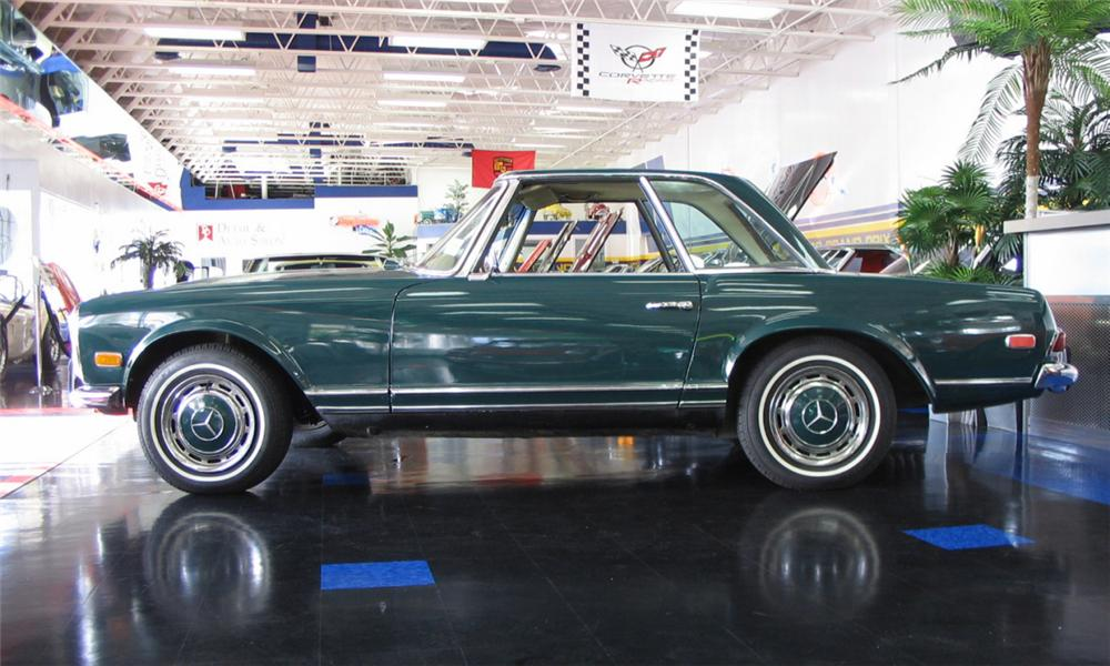 1968 MERCEDES-BENZ 280SL CONVERTIBLE - Side Profile - 39891