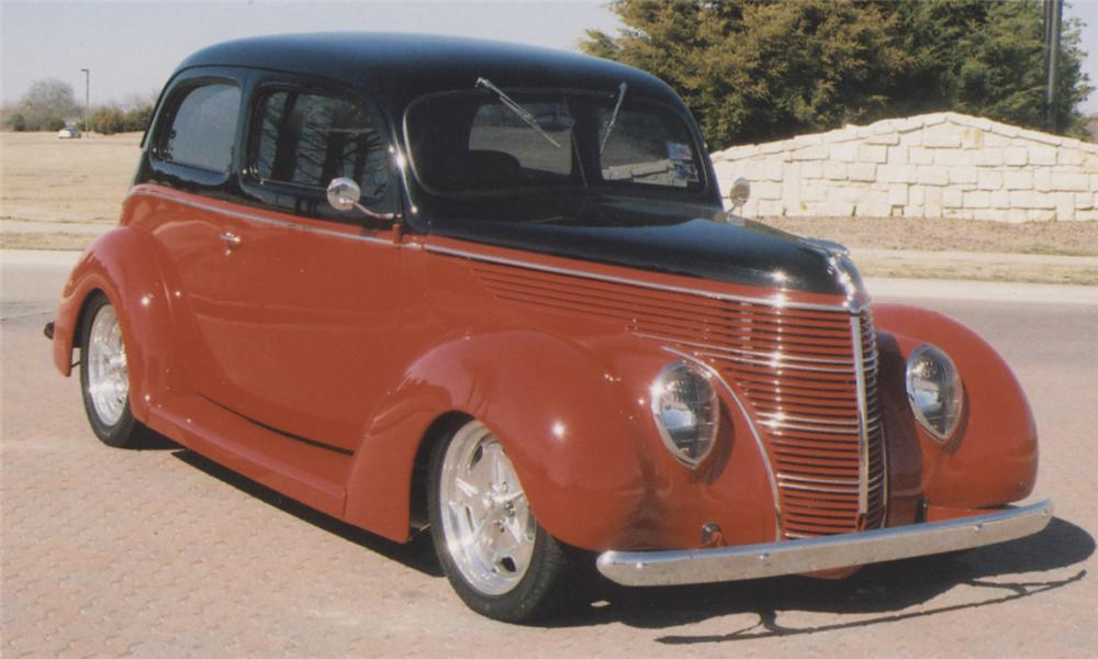 1938 FORD HUMPBACK STREET ROD - Front 3/4 - 39892