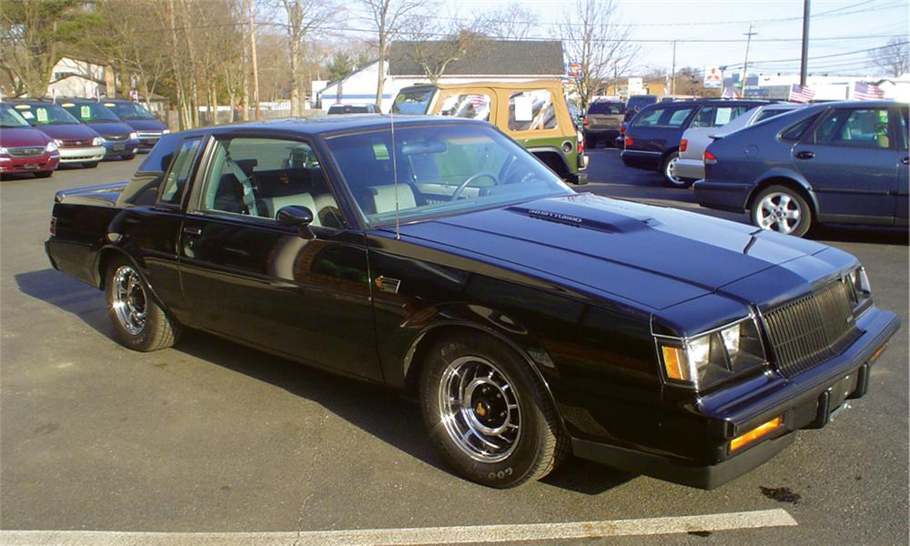 1987 BUICK REGAL GRAND NATIONAL COUPE - Front 3/4 - 39894