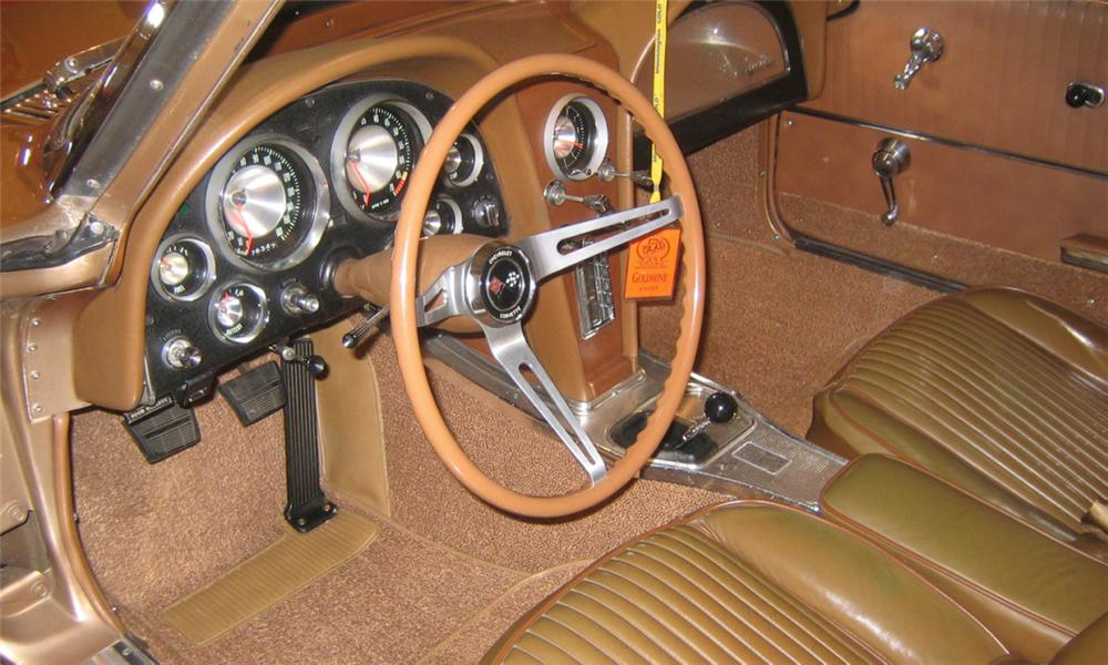 1963 CHEVROLET CORVETTE SPLIT WINDOW COUPE - Interior - 39906