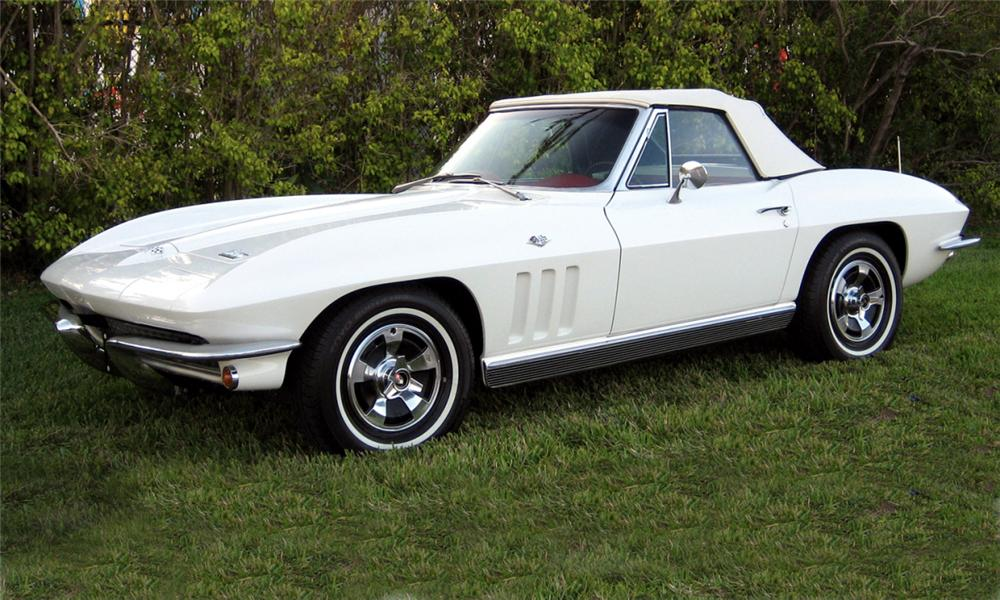 1966 CHEVROLET CORVETTE 327/300 CONVERTIBLE - Front 3/4 - 39907