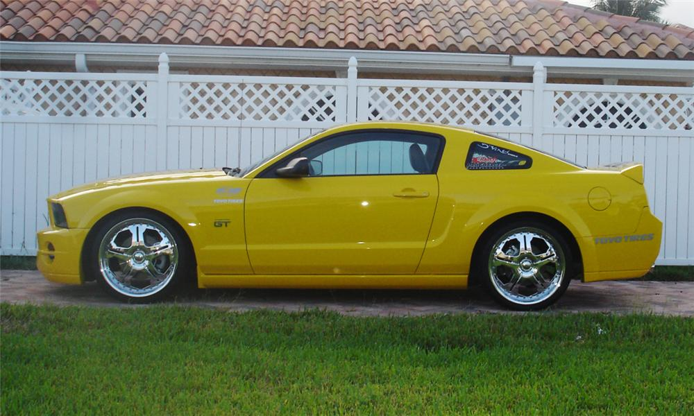 2005 FORD MUSTANG GT CUSTOM COUPE - Side Profile - 39910