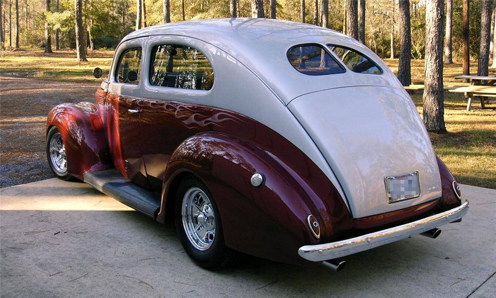 1939 FORD 2 DOOR SEDAN STREET ROD - Rear 3/4 - 39914