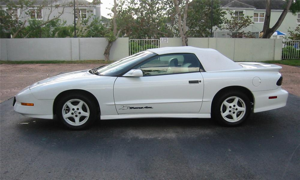 1994 PONTIAC FIREBIRD TRANS AM 25TH ANNIVERSARY CONVERTIBLE - Side Profile - 39915