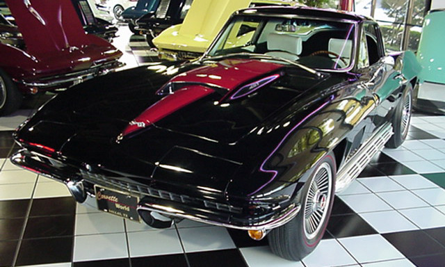 1967 CHEVROLET CORVETTE 427/400 COUPE - Front 3/4 - 39929