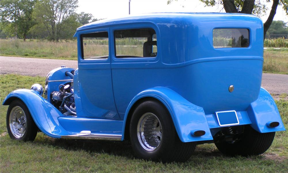 1928 FORD MODEL A CUSTOM 2 DOOR SEDAN - Rear 3/4 - 39943
