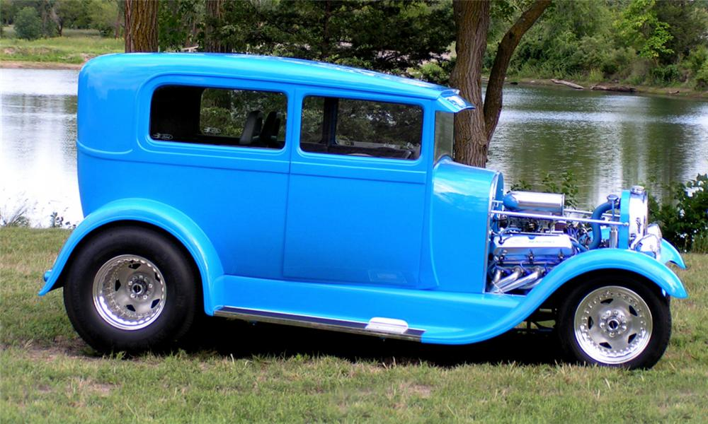 1928 FORD MODEL A CUSTOM 2 DOOR SEDAN - Side Profile - 39943