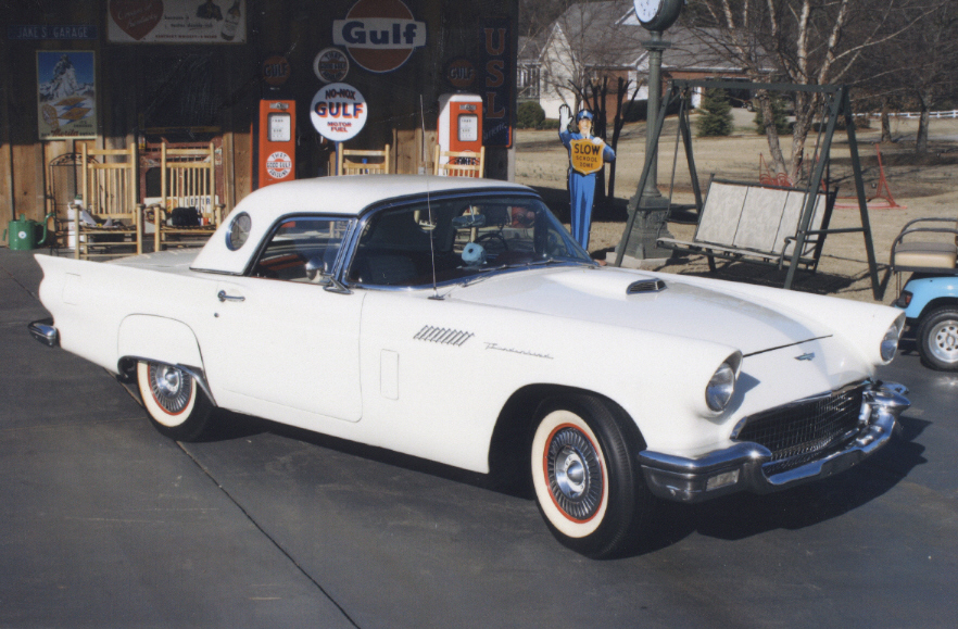 1957 FORD THUNDERBIRD CONVERTIBLE - Front 3/4 - 39945