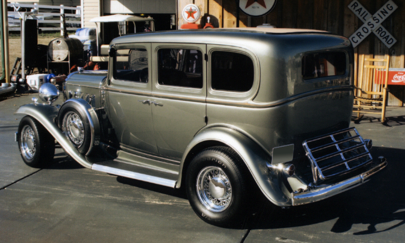 1932 BUICK CUSTOM 4 DOOR SEDAN - Rear 3/4 - 39978