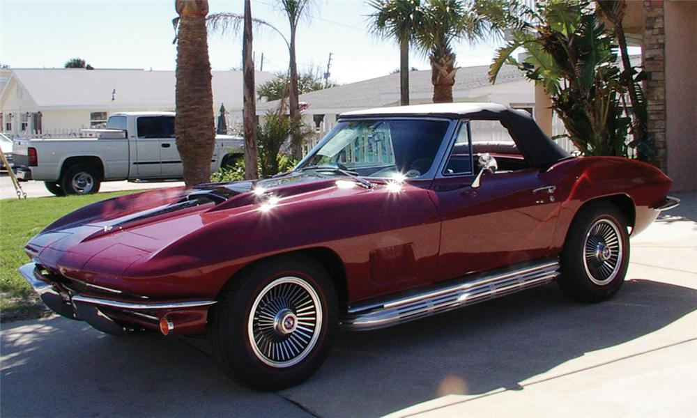 1967 CHEVROLET CORVETTE 427/435 CONVERTIBLE - Front 3/4 - 39989