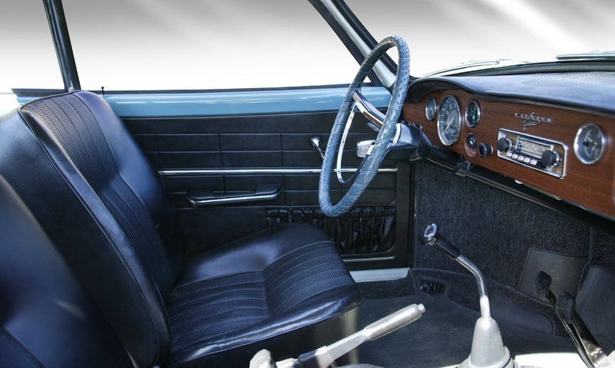 1967 VOLKSWAGEN KARMANN GHIA 2 DOOR SEDAN - Interior - 40000