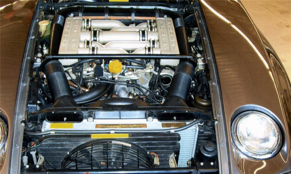 1985 PORSCHE 928S COUPE - Engine - 40018