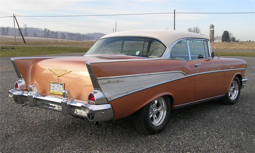 1957 CHEVROLET BEL AIR SPORT COUPE - Rear 3/4 - 40022