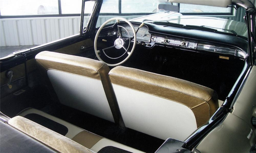 1959 FORD RETRACTABLE CONVERTIBLE - Interior - 40025