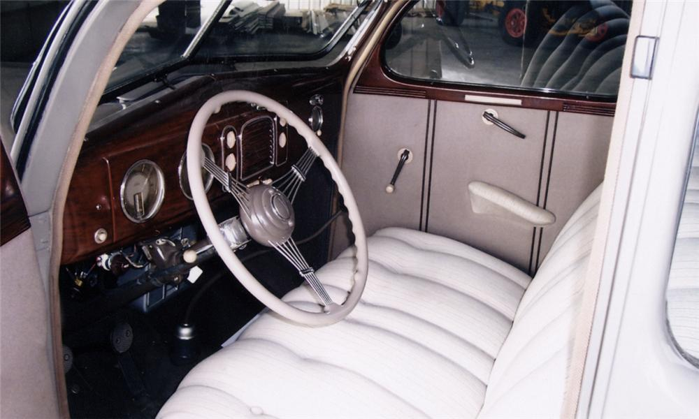 1938 FORD 5 WINDOW COUPE - Interior - 40026