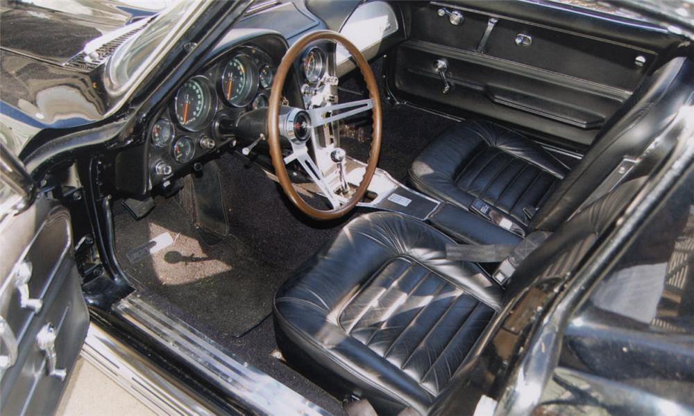 1966 CHEVROLET CORVETTE COUPE - Interior - 40036
