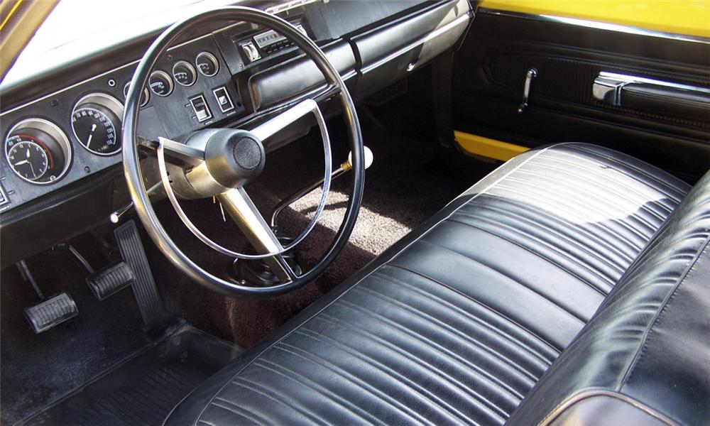 1968 DODGE SUPER BEE 2 DOOR HARDTOP - Interior - 40038