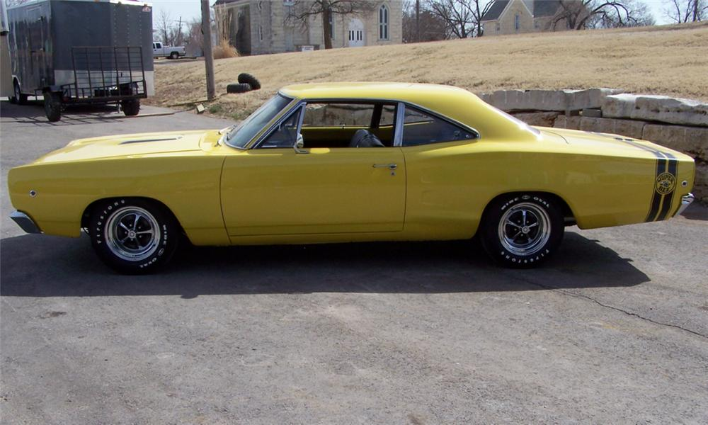 1968 DODGE SUPER BEE 2 DOOR HARDTOP - Side Profile - 40038