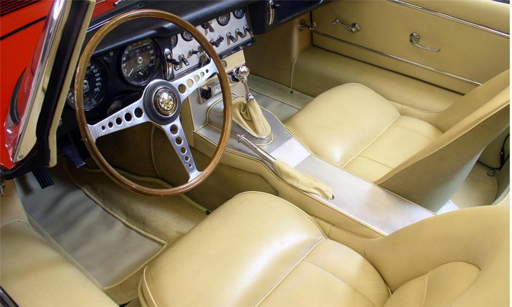 1963 JAGUAR XKE CONVERTIBLE - Interior - 40044