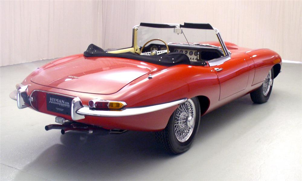 1963 JAGUAR XKE CONVERTIBLE - Rear 3/4 - 40044