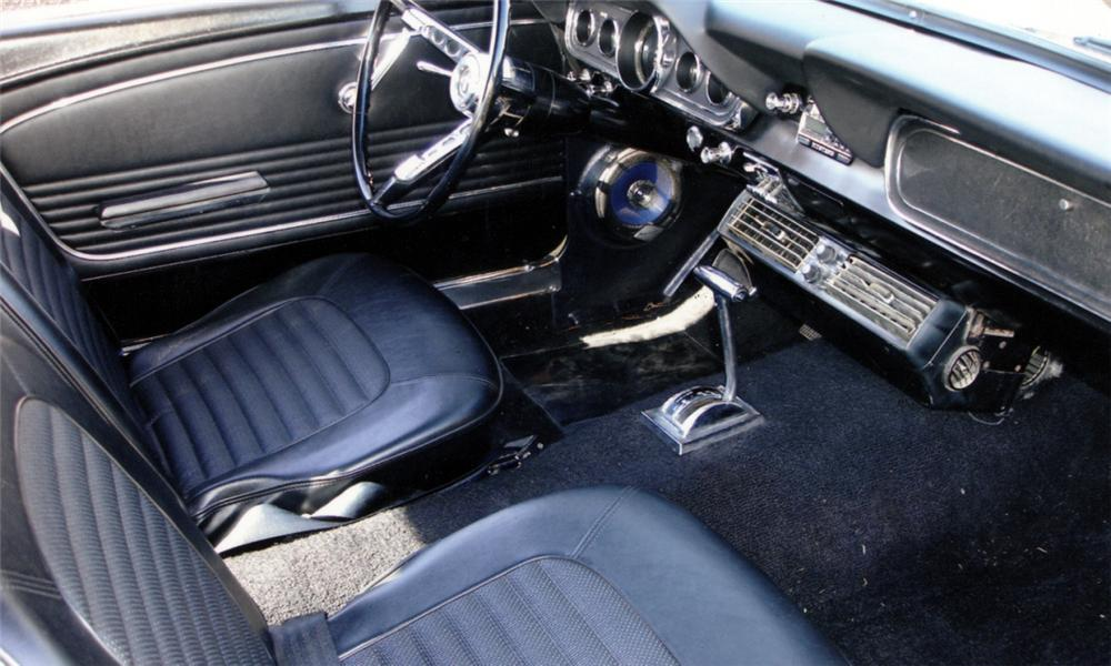 1966 FORD MUSTANG COUPE - Interior - 40052