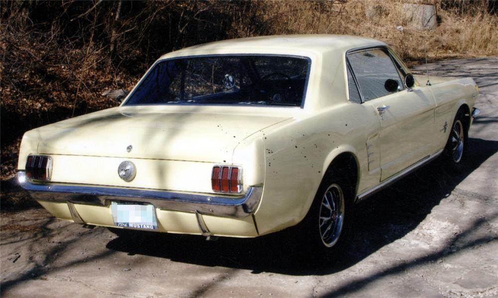 1966 FORD MUSTANG COUPE - Rear 3/4 - 40052