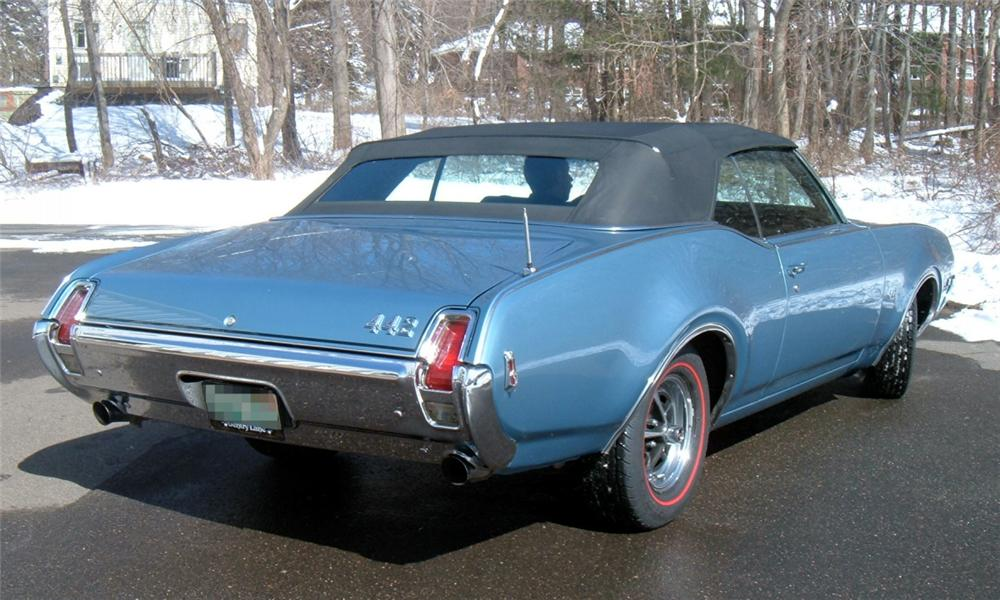 1969 OLDSMOBILE 442 CONVERTIBLE - Rear 3/4 - 40067