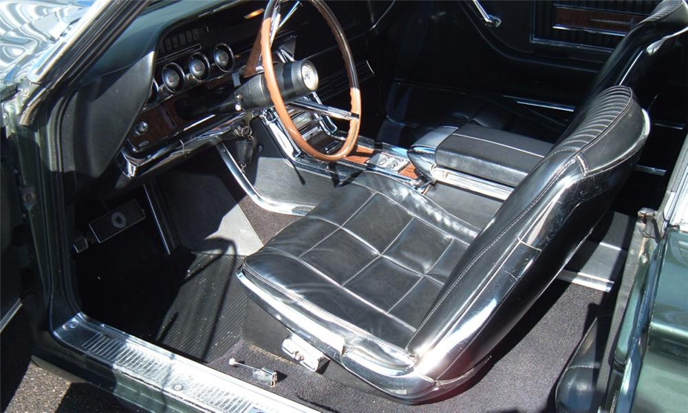 1966 FORD THUNDERBIRD LANDAU COUPE - Interior - 40070