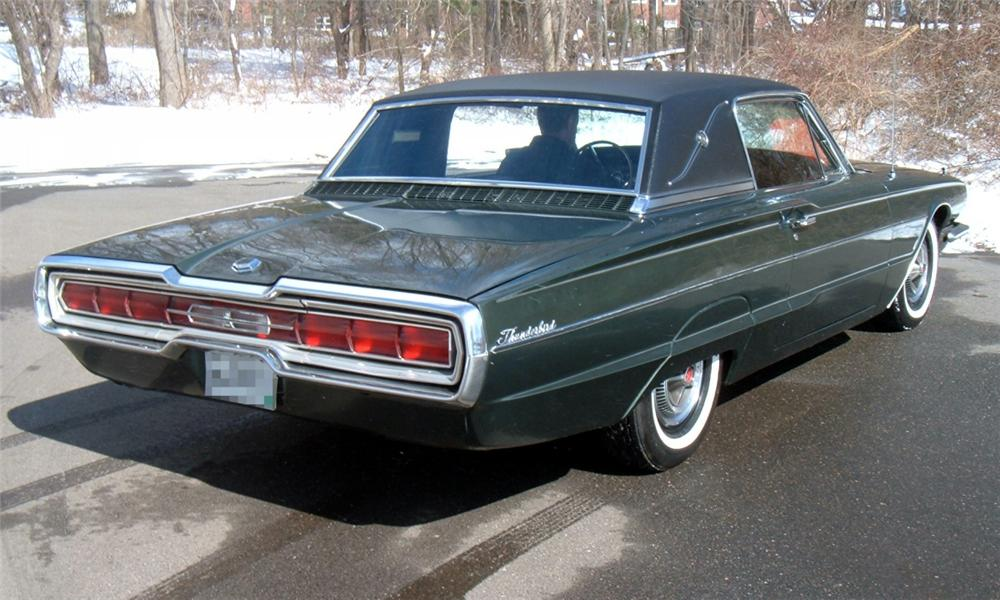 1966 FORD THUNDERBIRD LANDAU COUPE - Rear 3/4 - 40070