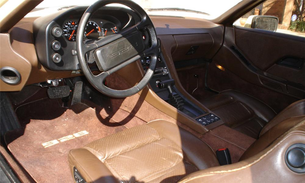 1981 PORSCHE 928 COUPE - Interior - 40071