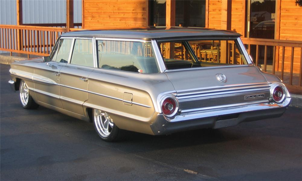 1964 FORD GALAXIE COUNTRY SQUIRE CUSTOM WAGON - Rear 3/4 - 40074