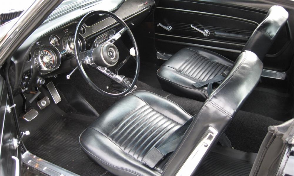 1967 FORD MUSTANG FASTBACK - Interior - 40077