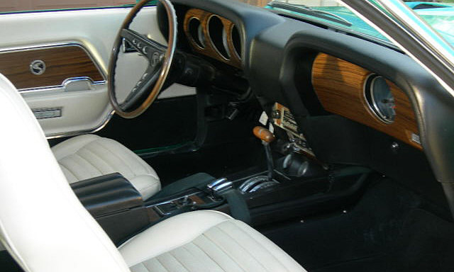 1969 SHELBY GT500 FASTBACK - Interior - 40083