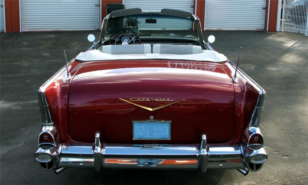 1957 CHEVROLET BEL AIR CUSTOM CONVERTIBLE - Rear 3/4 - 40086