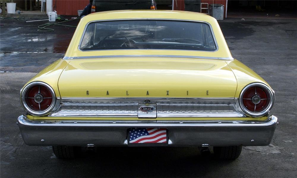 1963 FORD GALAXIE CUSTOM 2 DOOR HARDTOP - Rear 3/4 - 40091