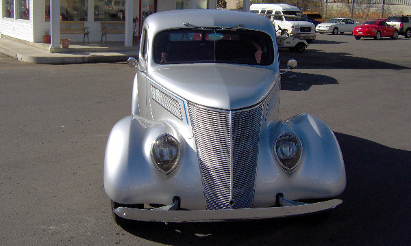 1937 FORD COUPE STREET ROD - Front 3/4 - 40093
