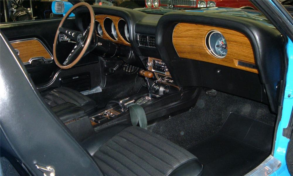1970 SHELBY GT350 FASTBACK - Interior - 40103